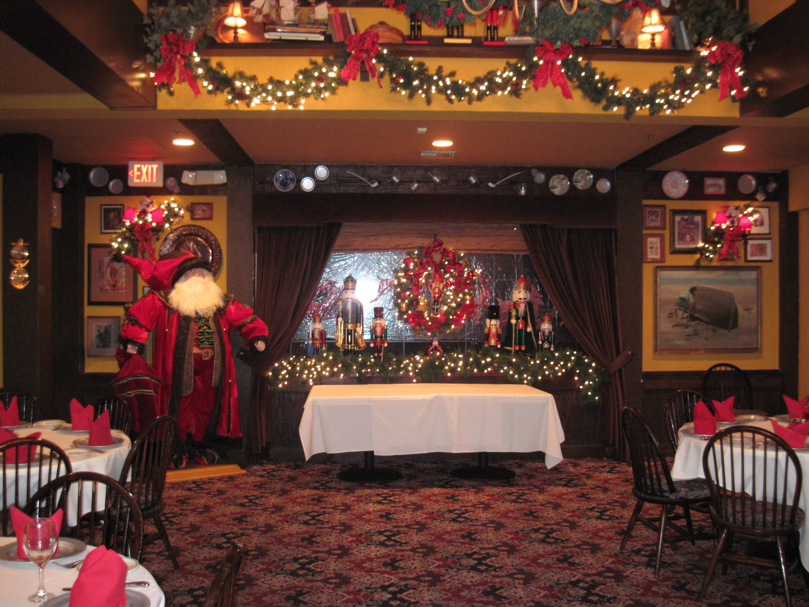 banquet room at christmas
